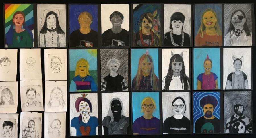 Billedkunsthold udstiller på Rønde Bibliotek